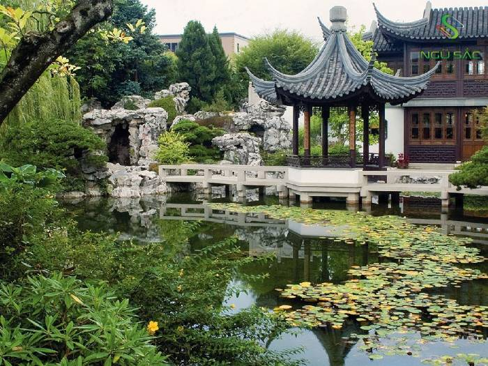 Đá và nước kết hợp theo phong cách Trung Hoa