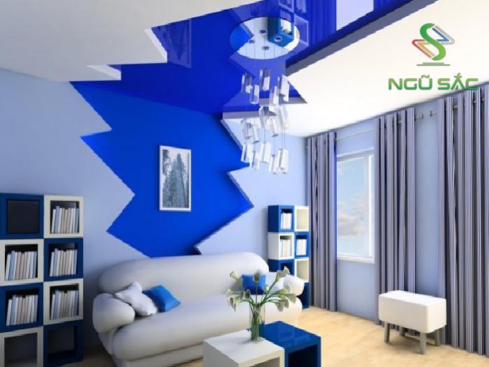 Màu sơn xanh nổi bật trên tông màu chủ đạo