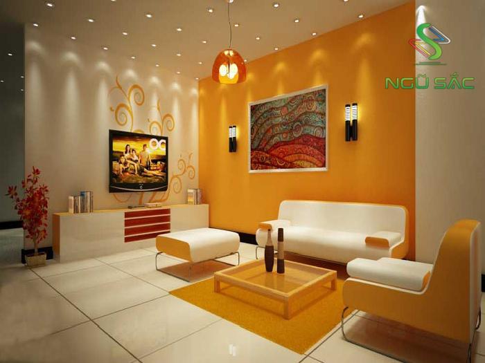 Phòng khách với màu cam ấm cúng