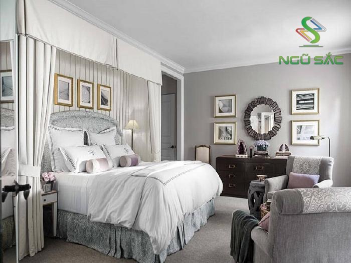 Phòng ngủ màu bạc sang trọng