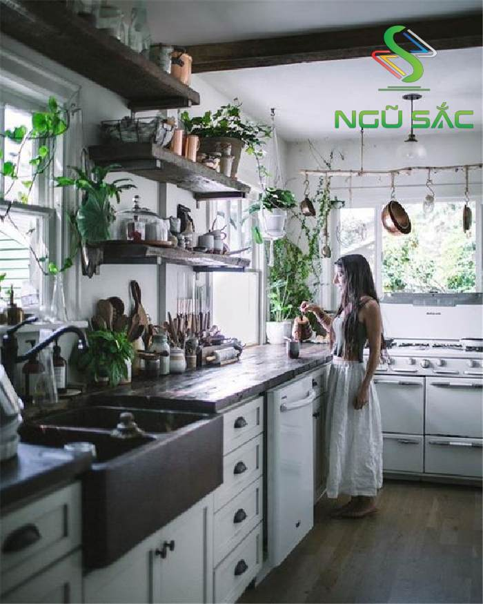 Gian bếp với không gian xanh