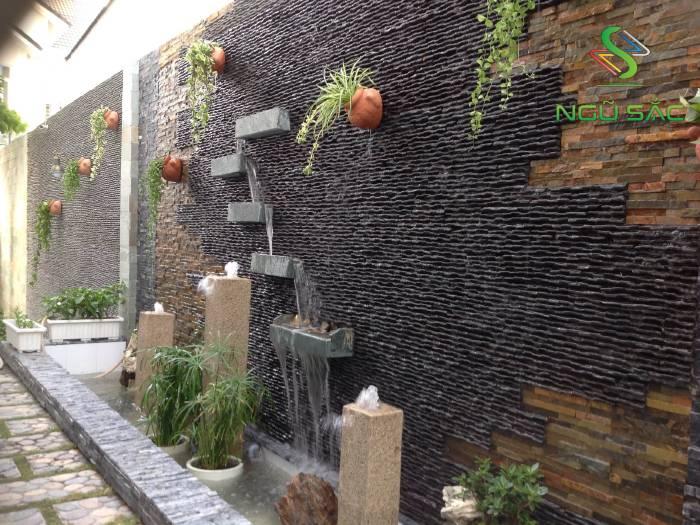 Thác nước trên tường