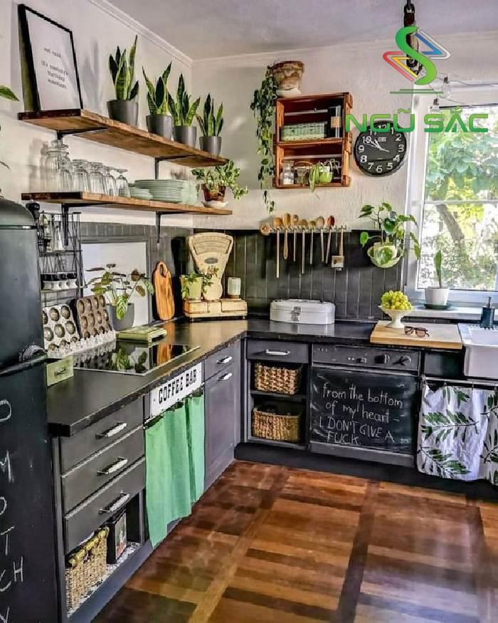 Nhà bếp với màu đen hiện đại