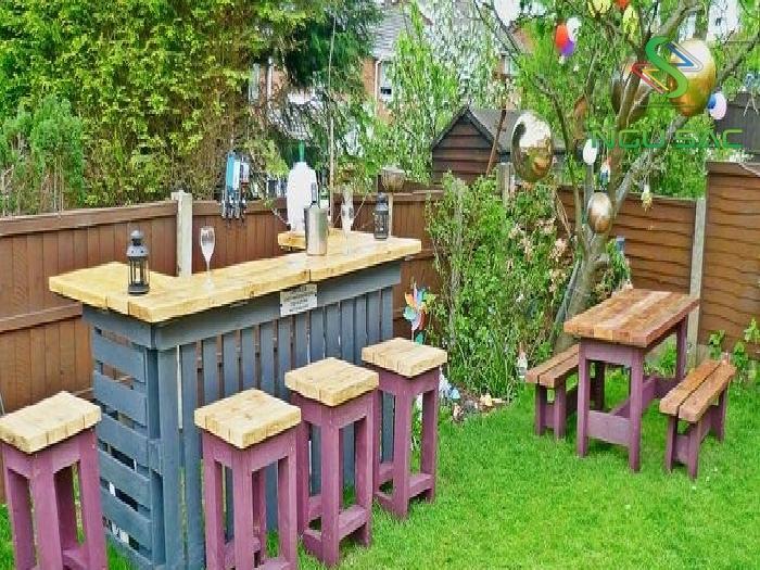 Tạo bàn ghế sân vườn từ gỗ cũ