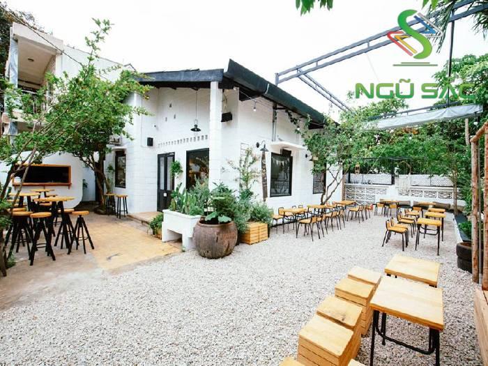Thiết kế quán cafe sân vườn acoustics
