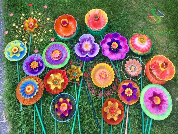 Làm đô trang trí sân vườn từ nhựa