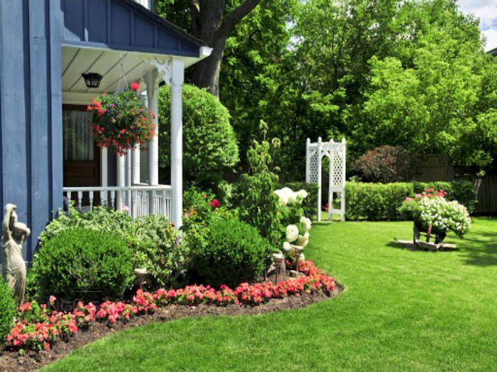 Bồn hoa đẹp nhà vườn