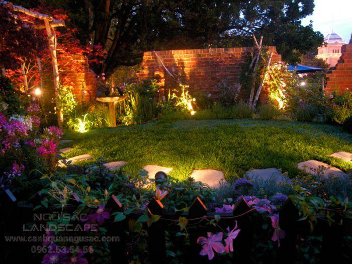 Đèn hắc tiểu cảnh sân vườn