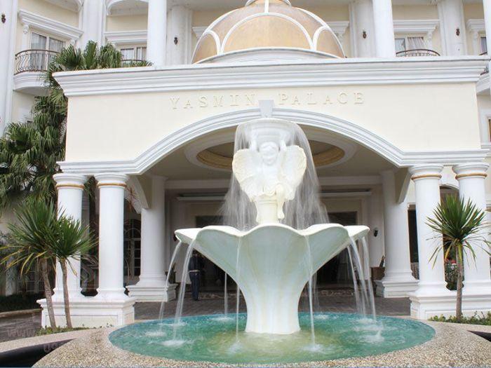 Đài phun nước kết hợp với tượng