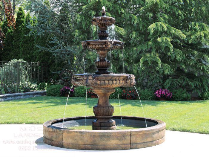 Mẫu thác nước bằng đá cổ điển