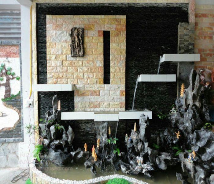 Tường nước kết hợp tranh đá
