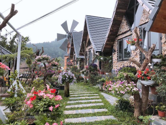 """Thiết kế sân vườn theo phong cách """" xứ sở thần tiên"""""""