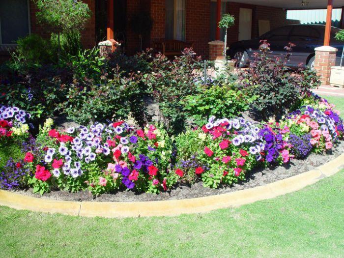Thiết kế bồn hoa sân vườn đẹp