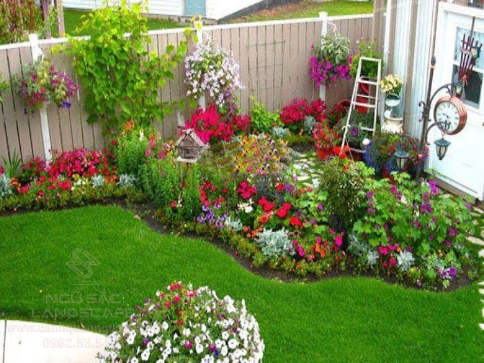 Mẫu vườn hoa trước nhà đẹp