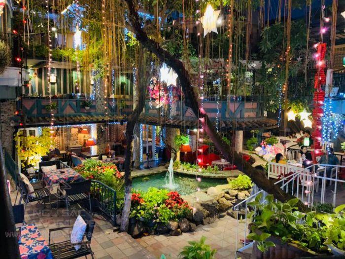 Sorrento là quán cà phê sân vườn nổi tiếng tại quận 10