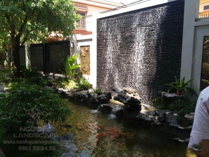 Thiết kế thác nước trên tường ở quán cà phê
