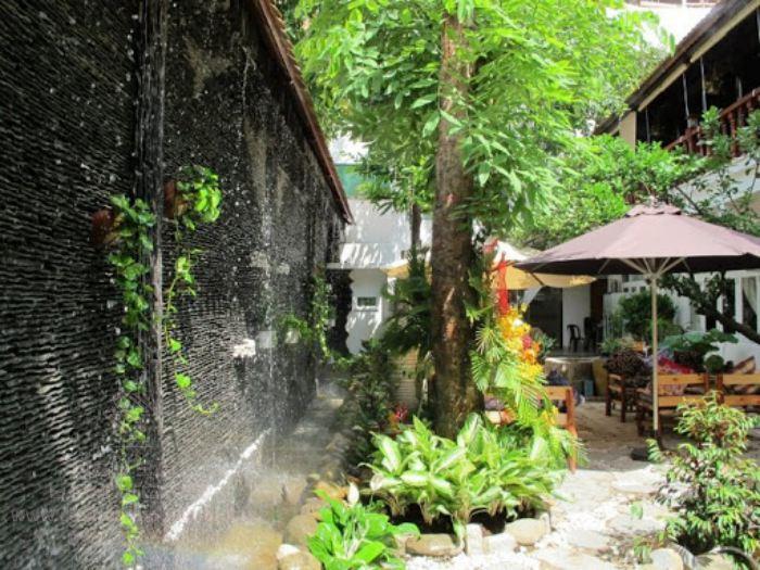 Tiểu cảnh thác nước trên tường đẹp