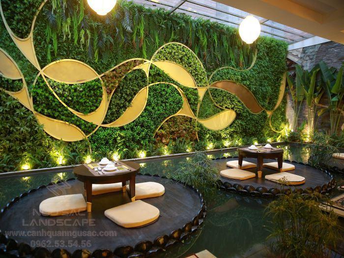 Quán cà phê ấn tượng với tường cây xanh sáng tạo