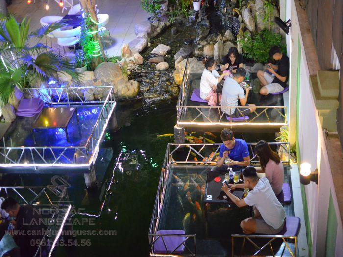 Quán cà phê cá Koi ở Hooc Môn