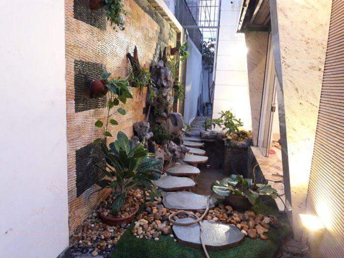 Lối đi sân vườn bên hông nhà đẹp mắt