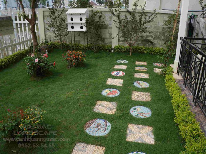 Ngũ Sắc nhận thi công thảm cỏ và tái tạo sân vườn